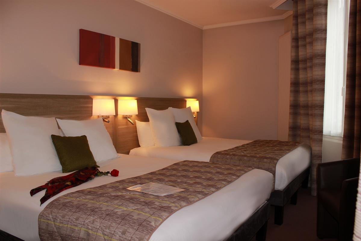 hotel angers avec chambre familiale 4 personnes hotel centre angers avec chambres. Black Bedroom Furniture Sets. Home Design Ideas